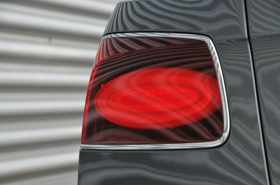 Bentley Flying Spur V8S rear light