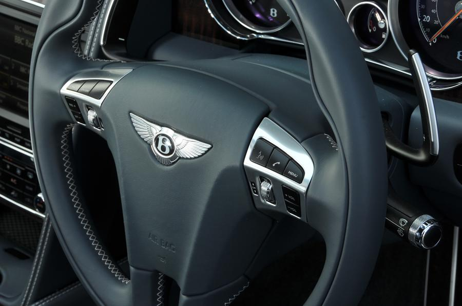 Bentley Flying Spur V8S steering wheel