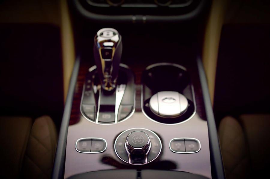 2015 - [Bentley] Bentayga - Page 6 Bentley-interior-001