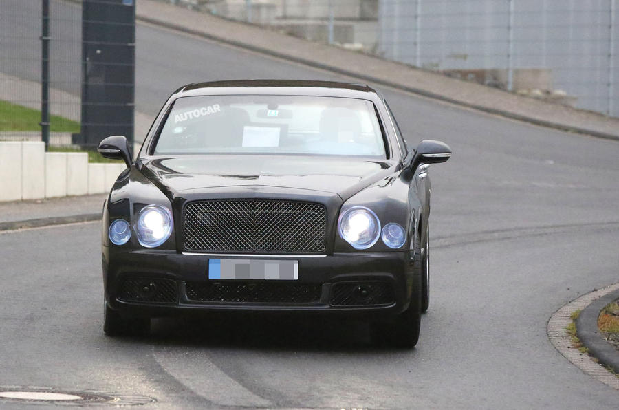 2016 Bentley Mulsanne spy photo front
