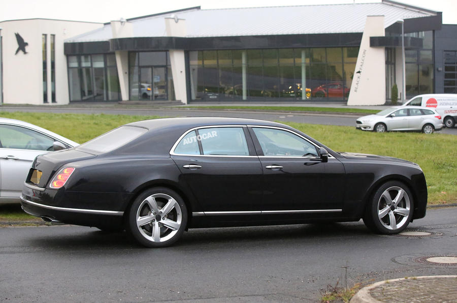 2016 Bentley Mulsanne spy photo