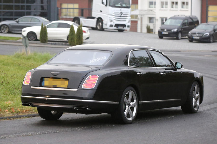 2016 Bentley Mulsanne spy photo rear