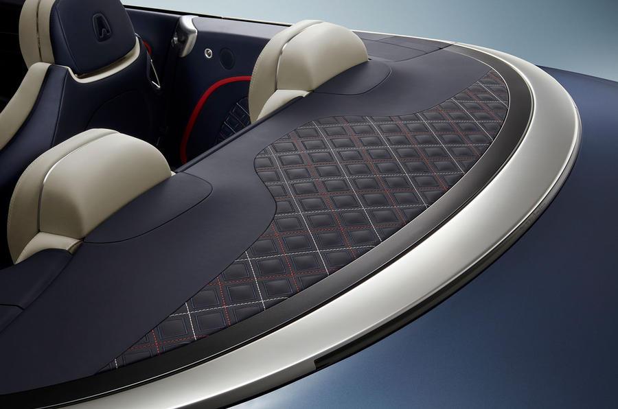Bentley Continental GT Mulliner Convertible tonneau