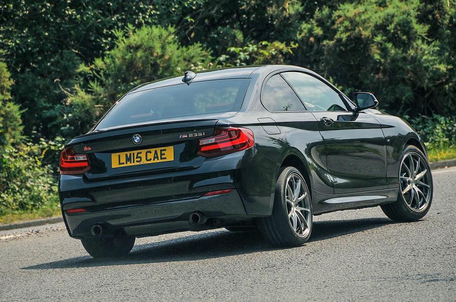 Birds BMW M235i rear cornering