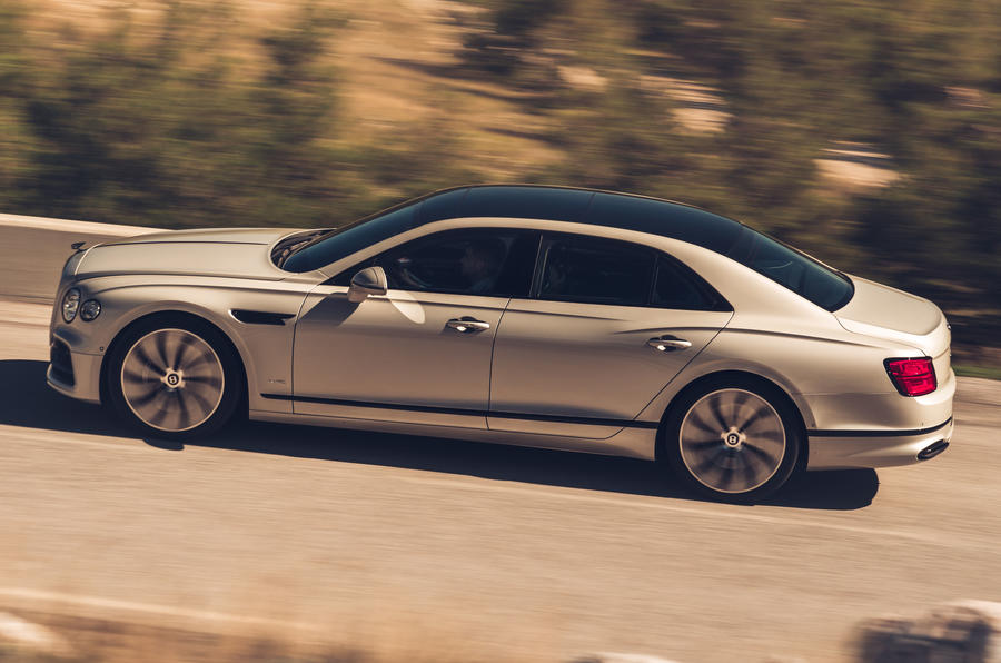 blackline flying spur side view 2