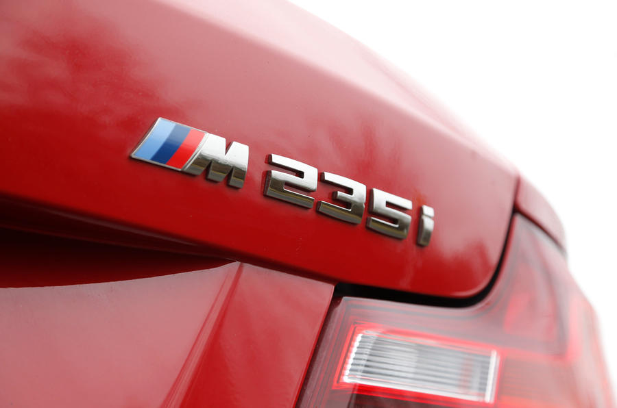 BMW M235i badging
