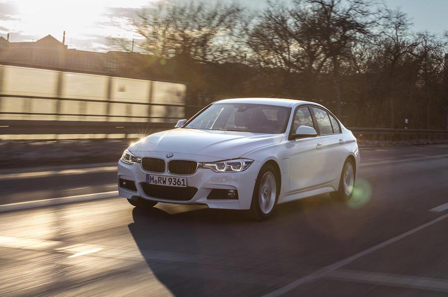 £31,435 BMW 330e