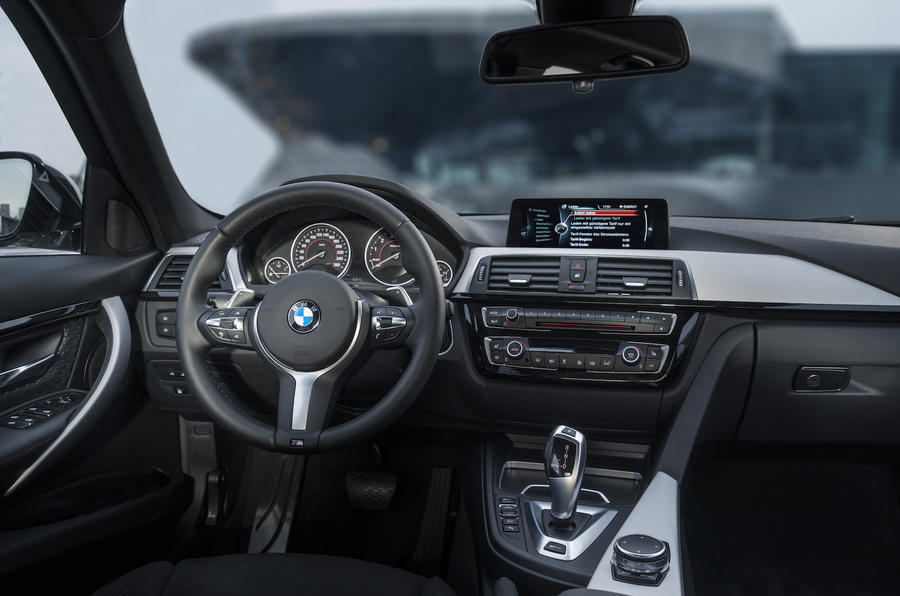 BMW 330e dashboard