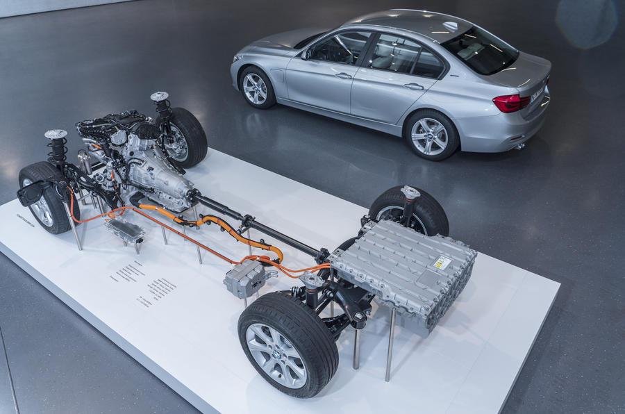 BMW 330e hybrid powertrain