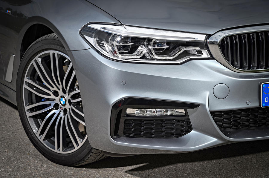 BMW 530d Touring headlights