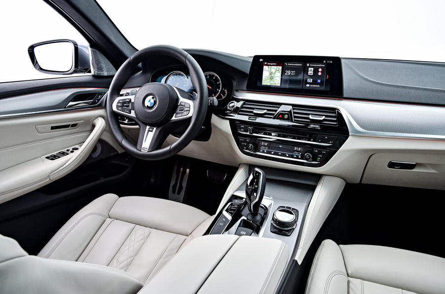 BMW 530d Touring front seats
