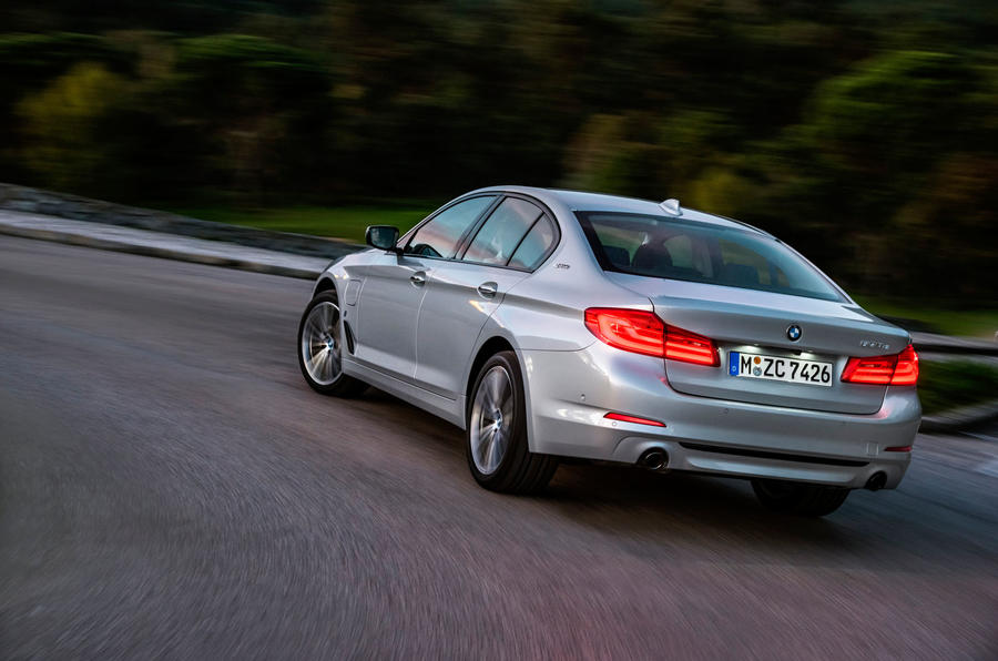 BMW 530e Performance rear cornering
