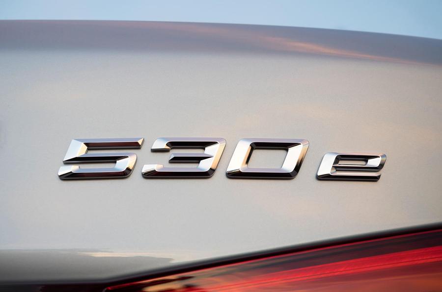 BMW 530e Performance badging