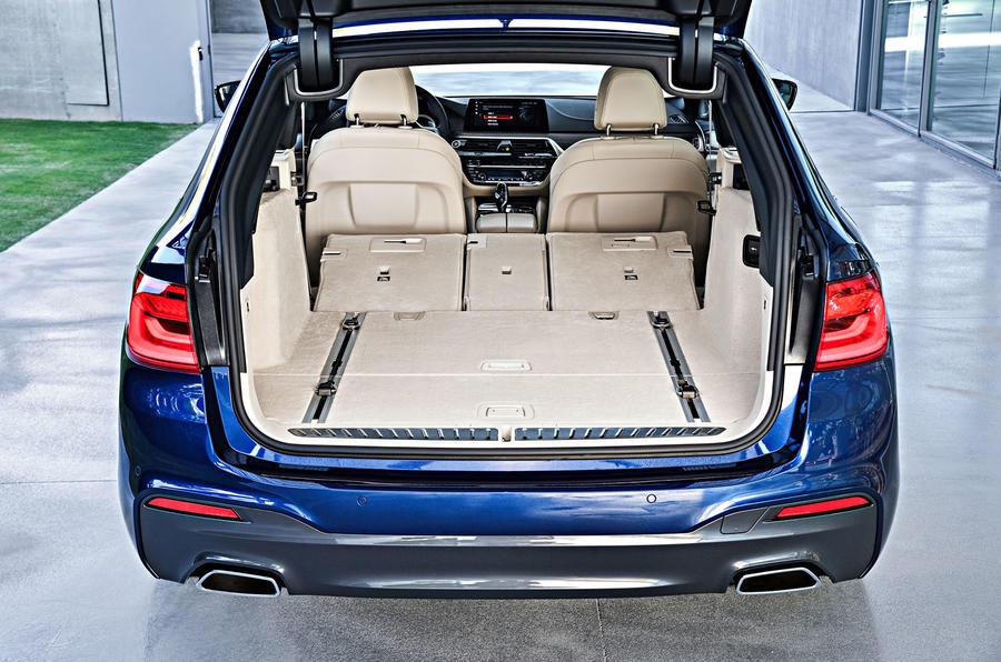 2017 BMW 5 Series Touring boot
