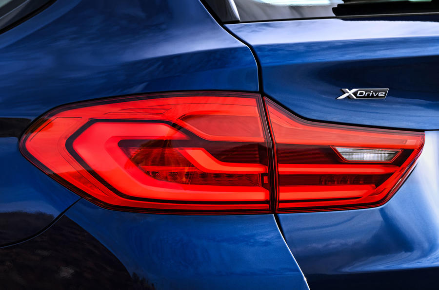 2017 BMW 5 Series Touring taillights