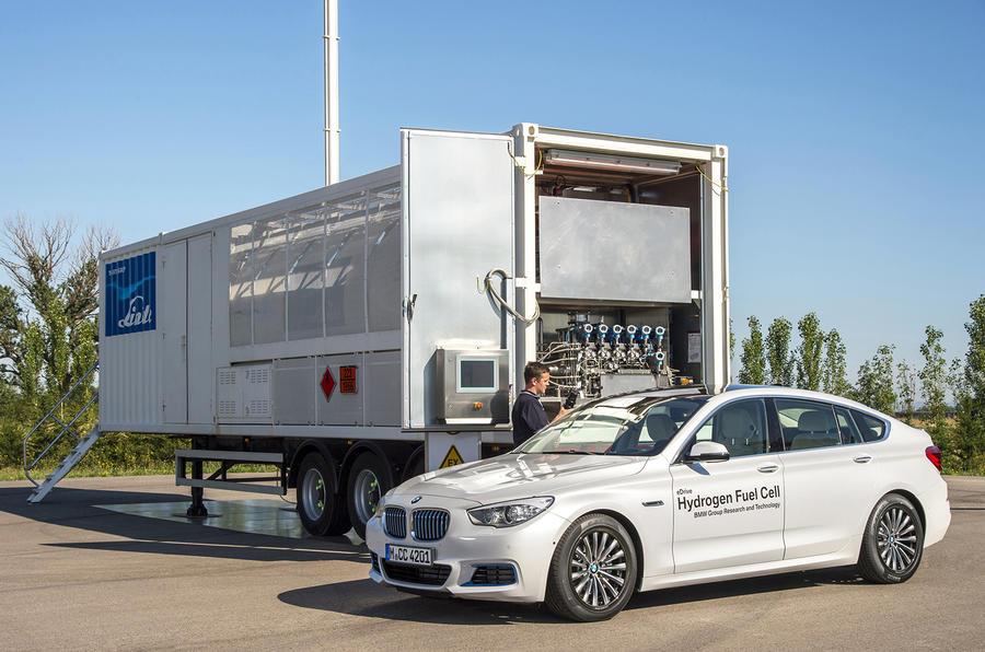 BMW 5 GT hydrogen refuelling