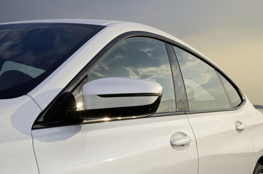 BMW 6 Series GT sloping roofline