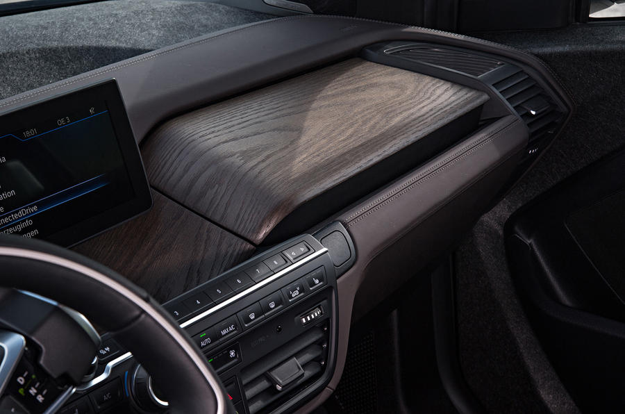 BMW i3 94Ah wooden dashboard