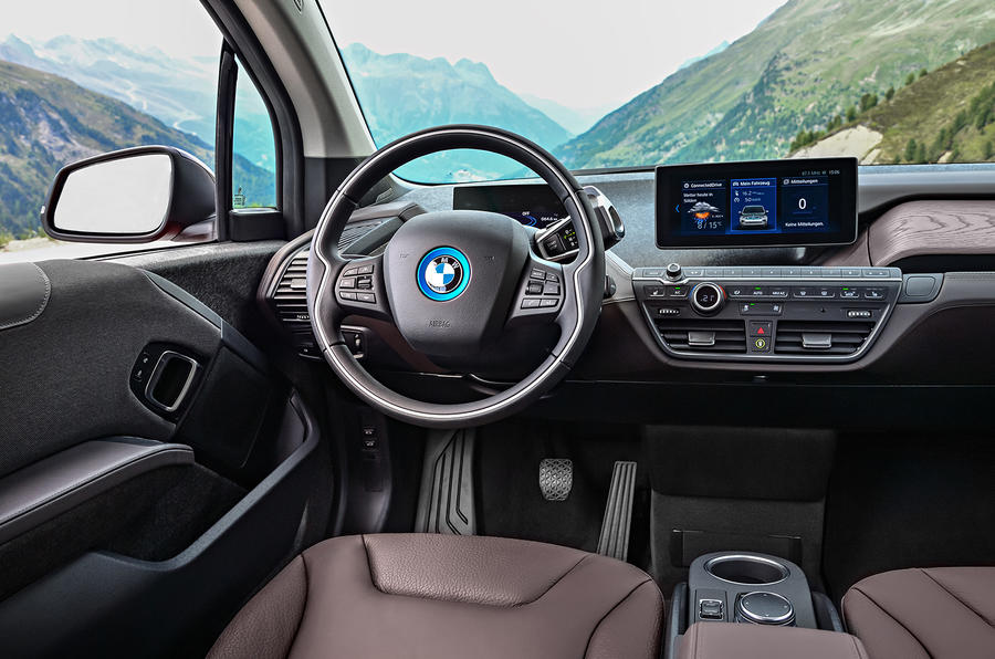 BMW i3s steering wheel