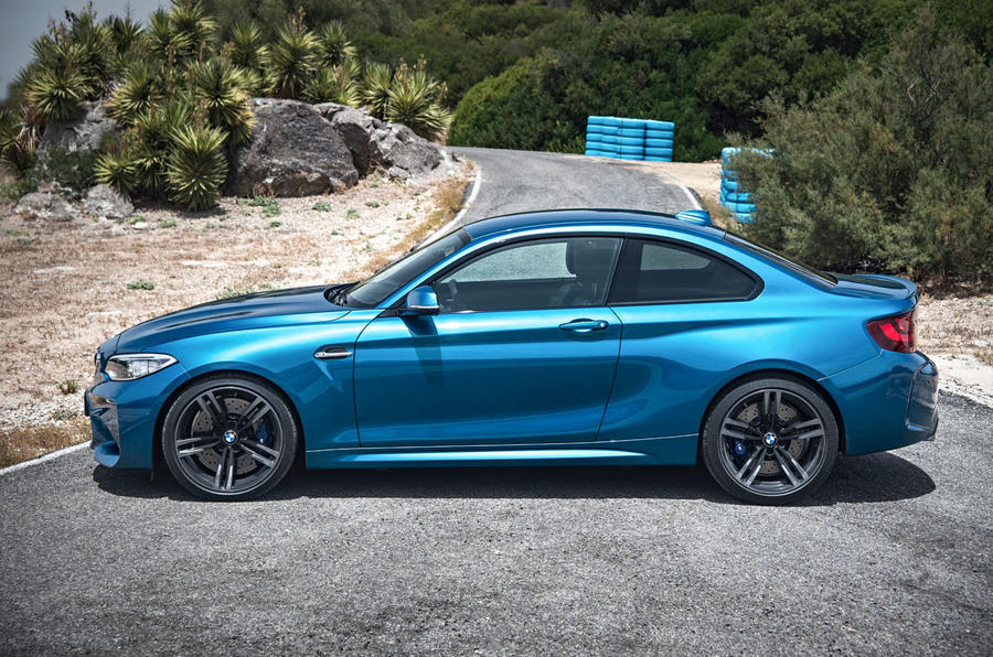 Simple 2016 BMW M2 Revealed  New Video And Exclusive Studio