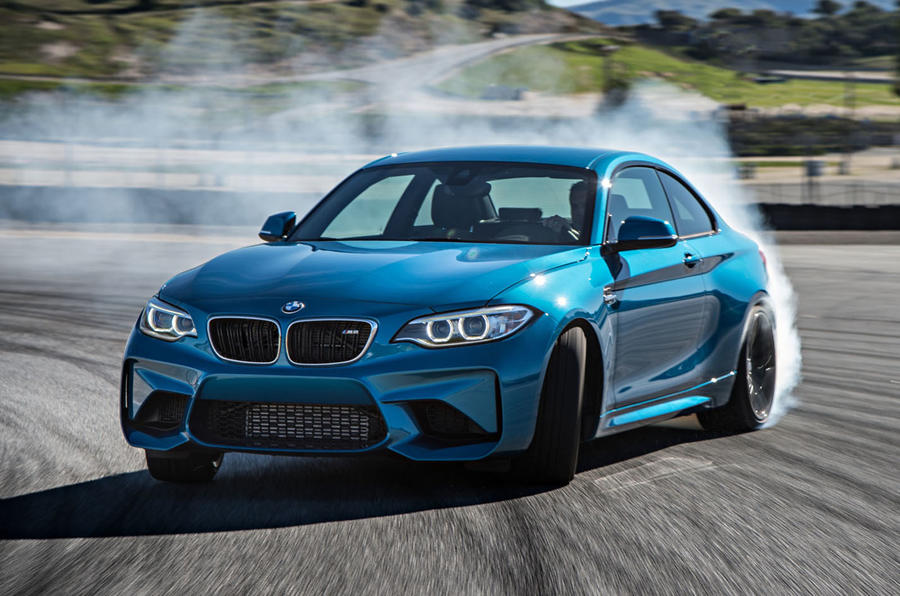 BMW M2 drifting