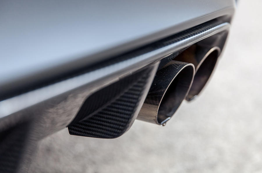 Quad BMW M4 GTS exhausts