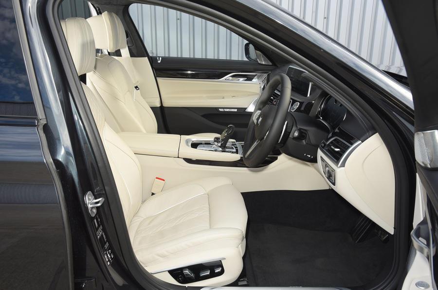 BMW M760Li xDrive interior
