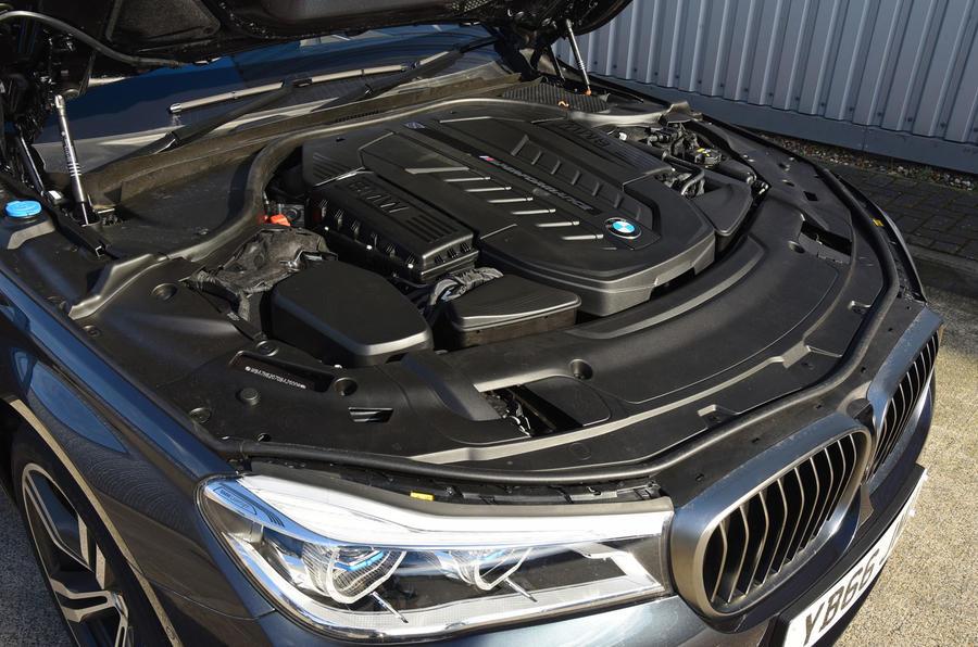 6.6-litre V12 BMW M760Li engine