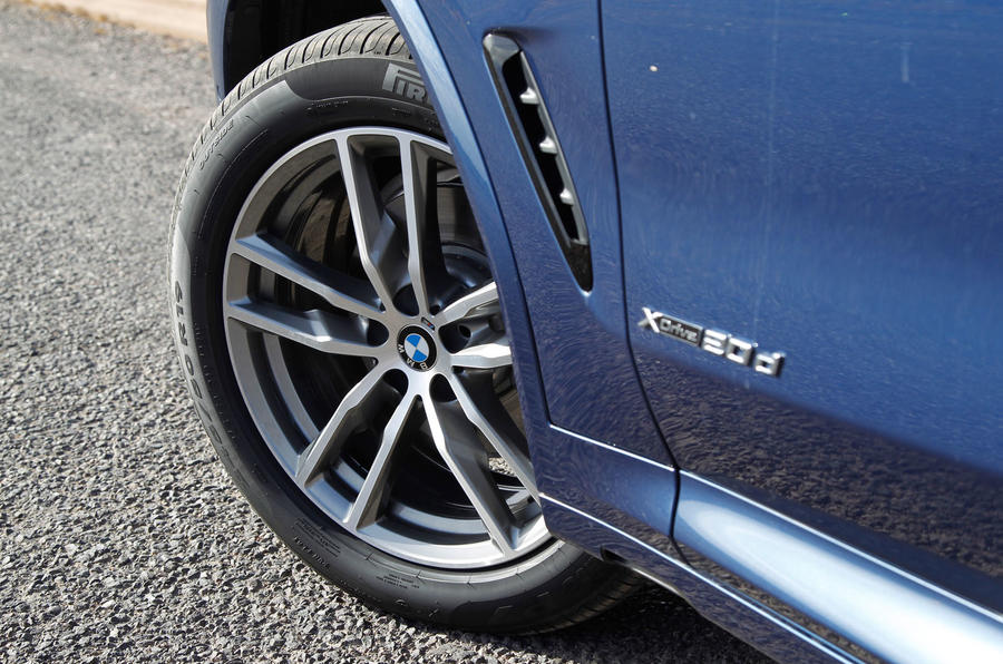 BMW X3 xDrive20d alloy wheels