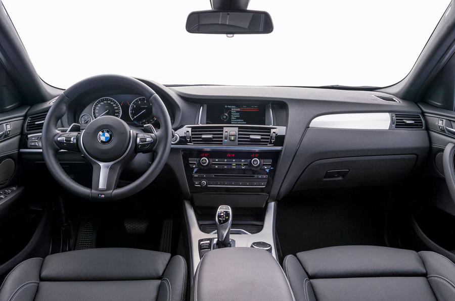BMW X4 M40i dashboard