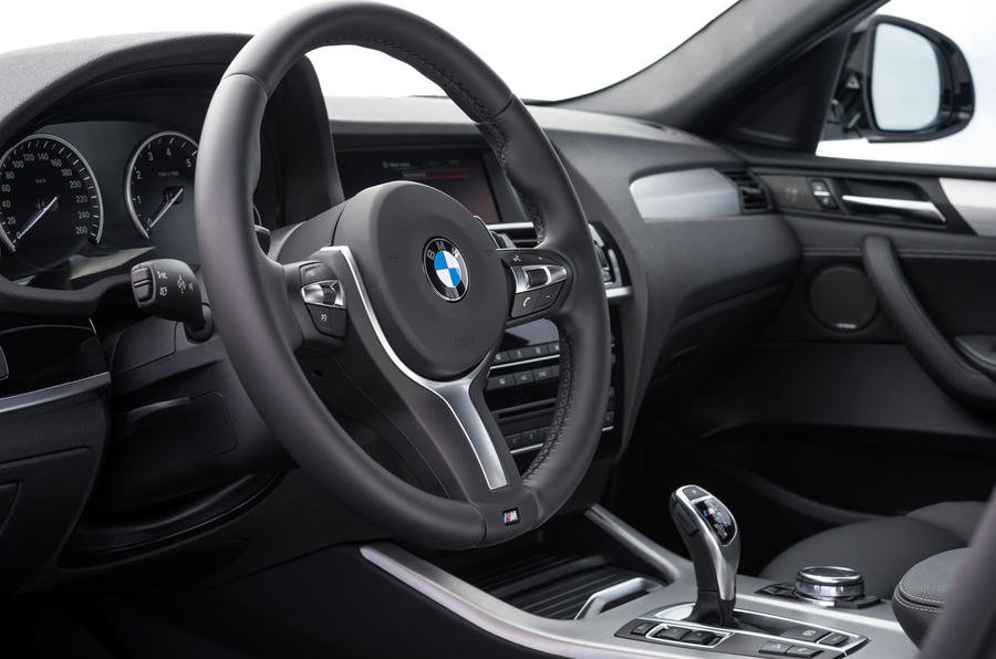 BMW X4 M40i steering wheel
