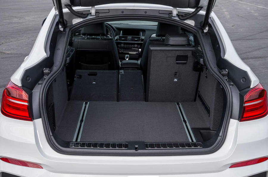 BMW X4 M40i boot space