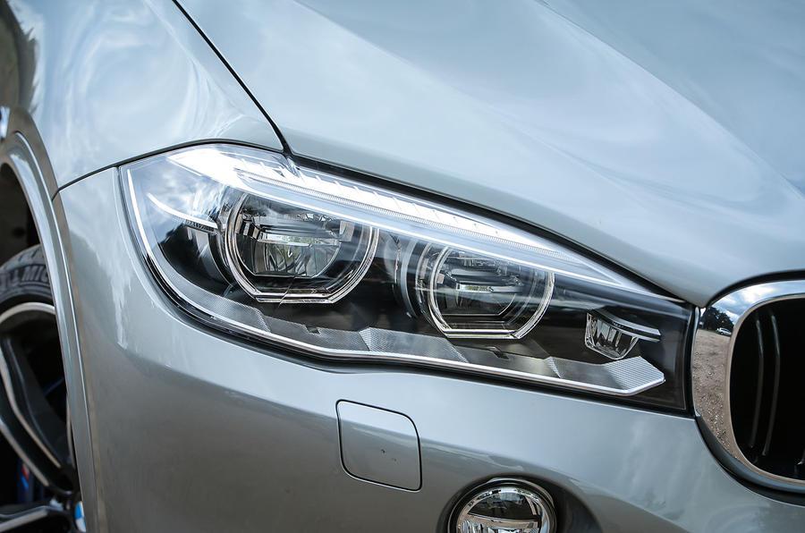 BMW X5 M bi-xenon headlights