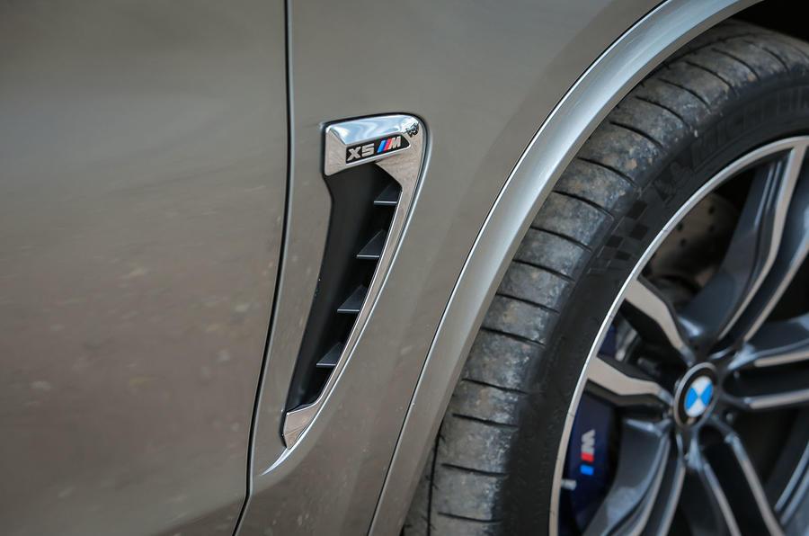 BMW X5 M sports vent