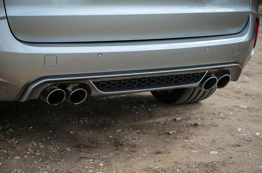BMW X5 M quad exhaust