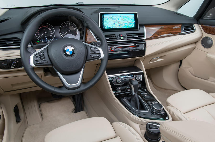 BMW 216d Active Tourer dashboard