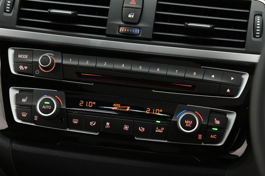 BMW 320d centre console