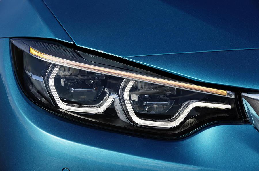 BMW 440i Coupé headlights