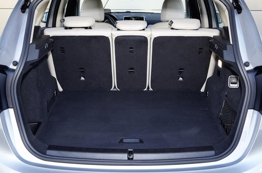 BMW 225xe Active Tourer boot space