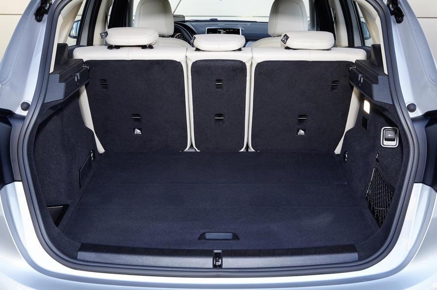 BMW 225xe Active Tourer boot space