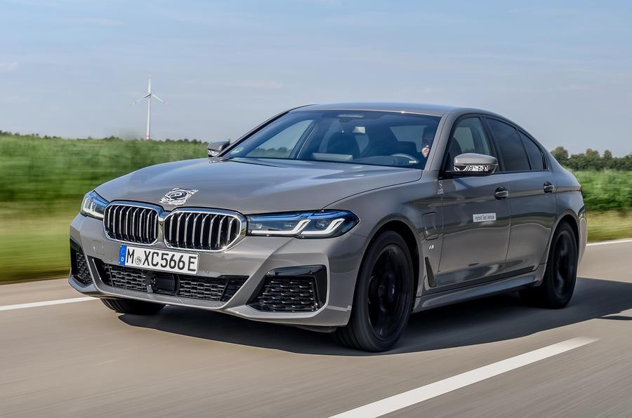 2020 - [BMW] Série 5 restylée [G30] - Page 11 Bmw_545e_xdrive_camouflage_012