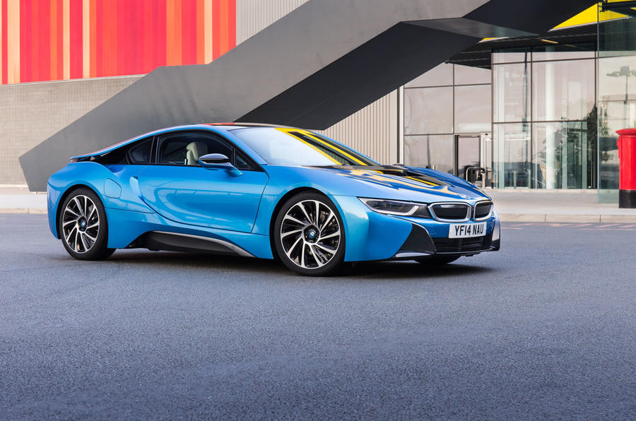 BMW i8 press shot - side