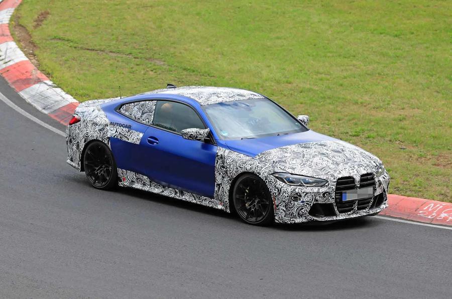 BMW M4 2020 spyshots side front track