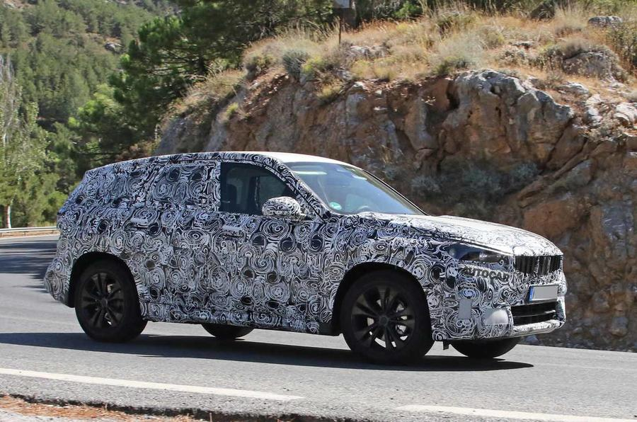 BMW X1 2022 spyshots side