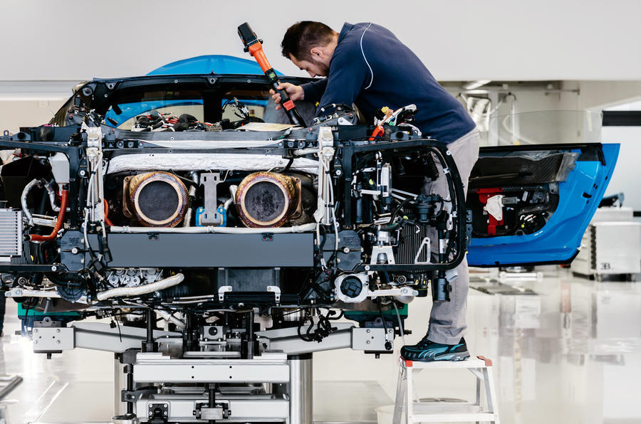 Bugatti Chiron Gallery The Numbers Behind The 2 5 Million Hypercar