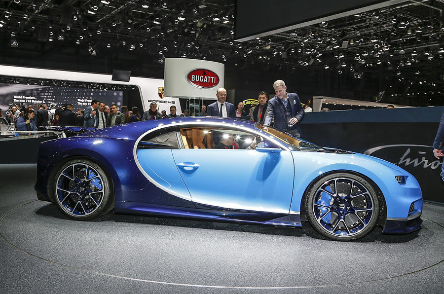 2016 bugatti chiron every detail on the veyron 39 s 260mph successor au. Black Bedroom Furniture Sets. Home Design Ideas