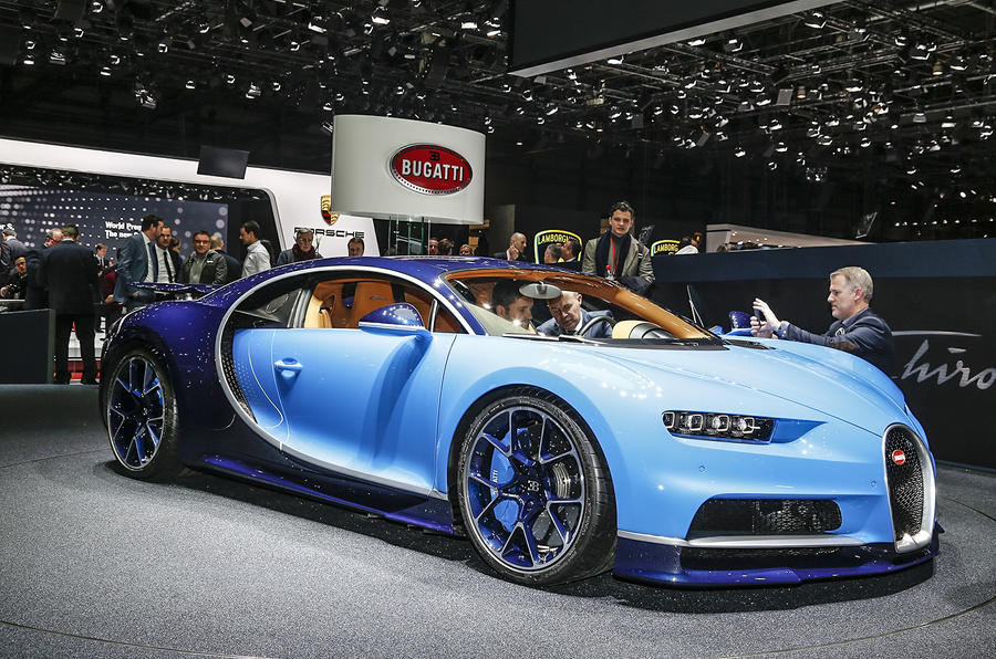 2016 bugatti chiron every detail on the veyron 39 s 260mph. Black Bedroom Furniture Sets. Home Design Ideas