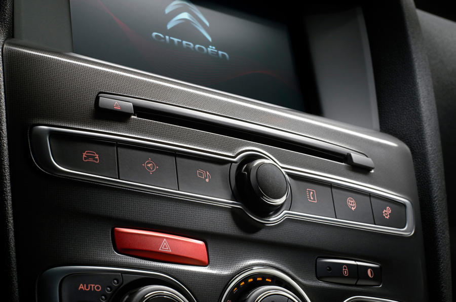 Citroën C4 infotainment controls