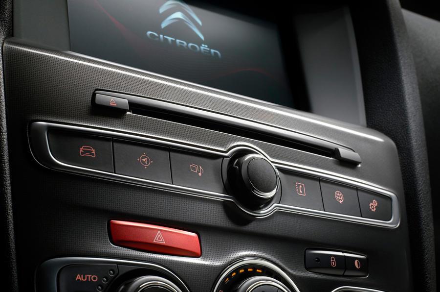 Citroën C4 infotainment controls