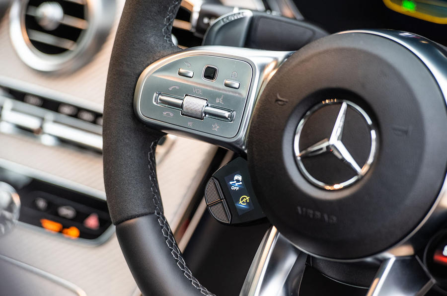 Mercedes-AMG C63 S 2018 steering wheel